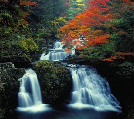 48 waterfalls of akame